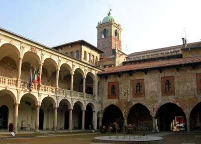 Novara Broletto