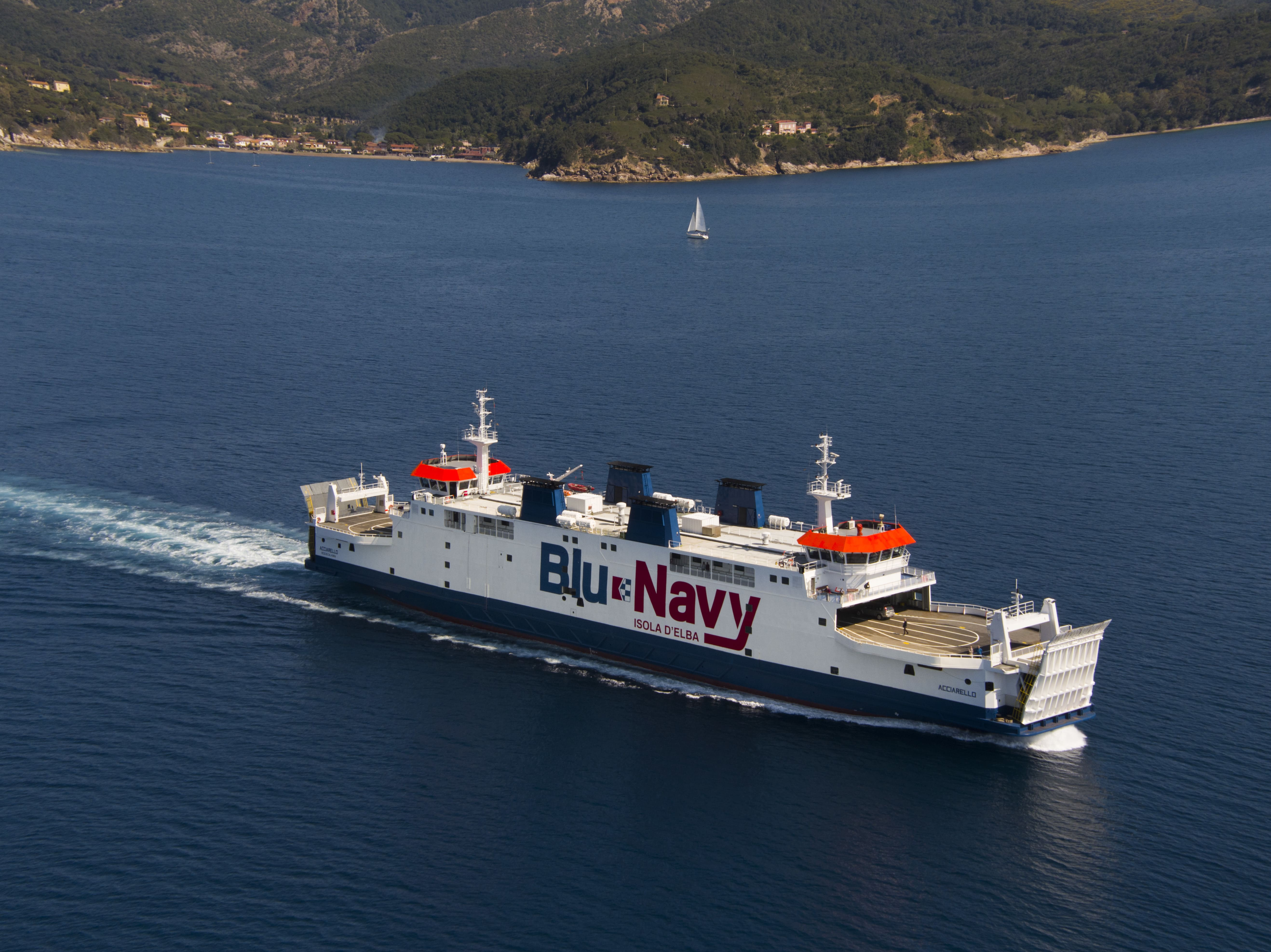 Blu navy traghetti